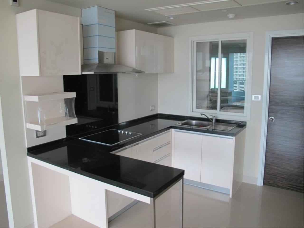Piri Property Agency's 3 bedrooms  For Sale Watermark Chaophraya 3