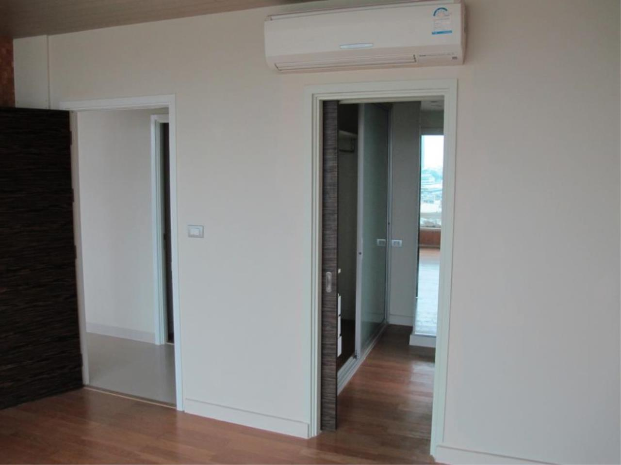 Piri Property Agency's 3 bedrooms  For Sale Watermark Chaophraya 4