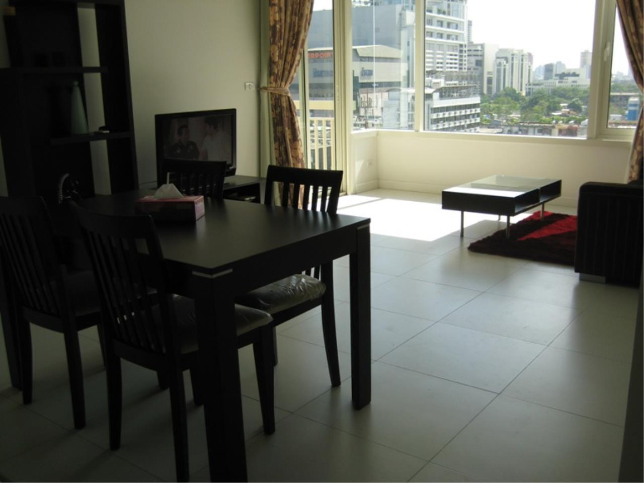 Piri Property Agency's 2 bedrooms  For Rent Manhattan Chidlom 4