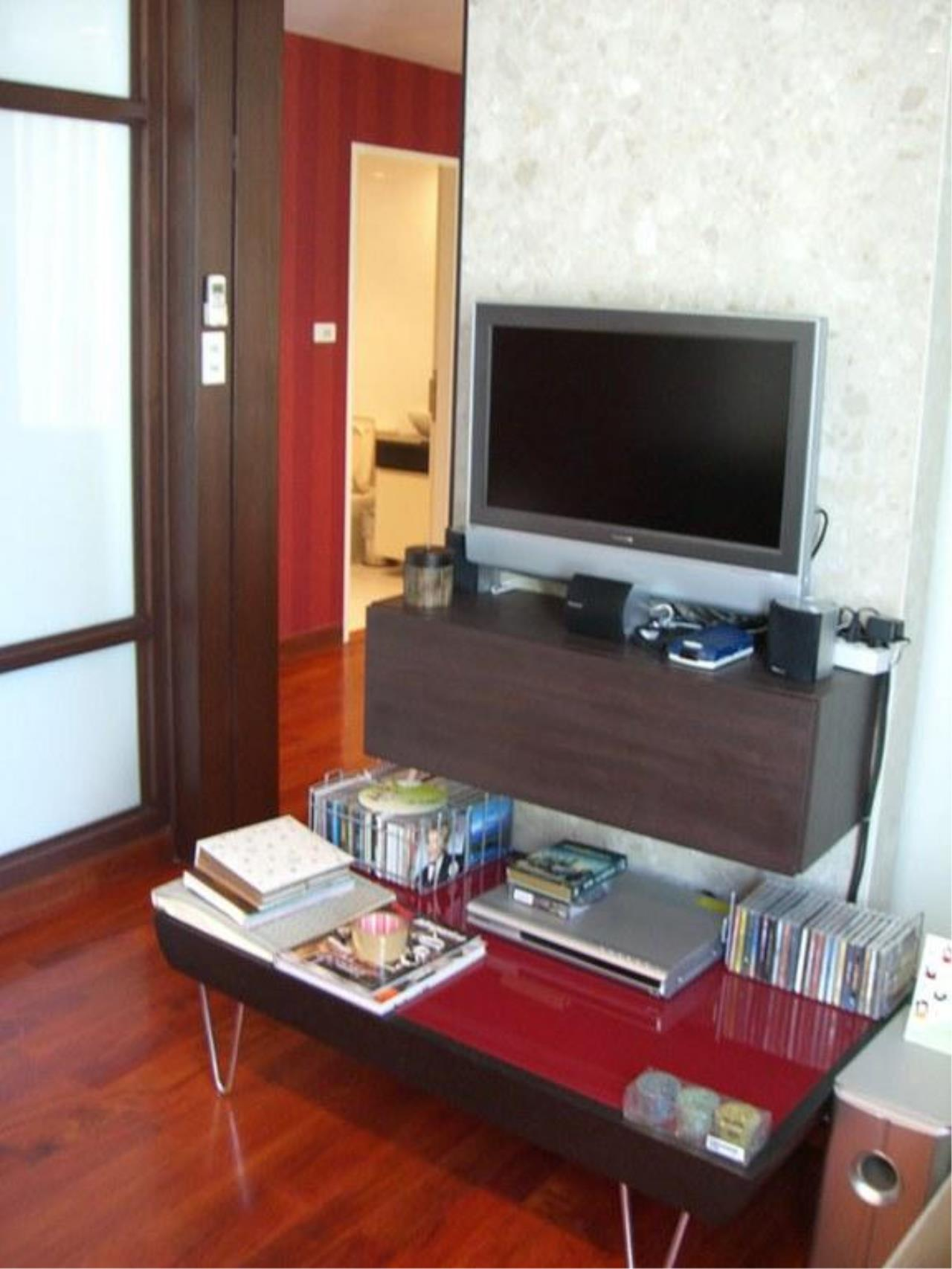 Piri Property Agency's 2 bedrooms  For Rent Urbana Langsuan 2