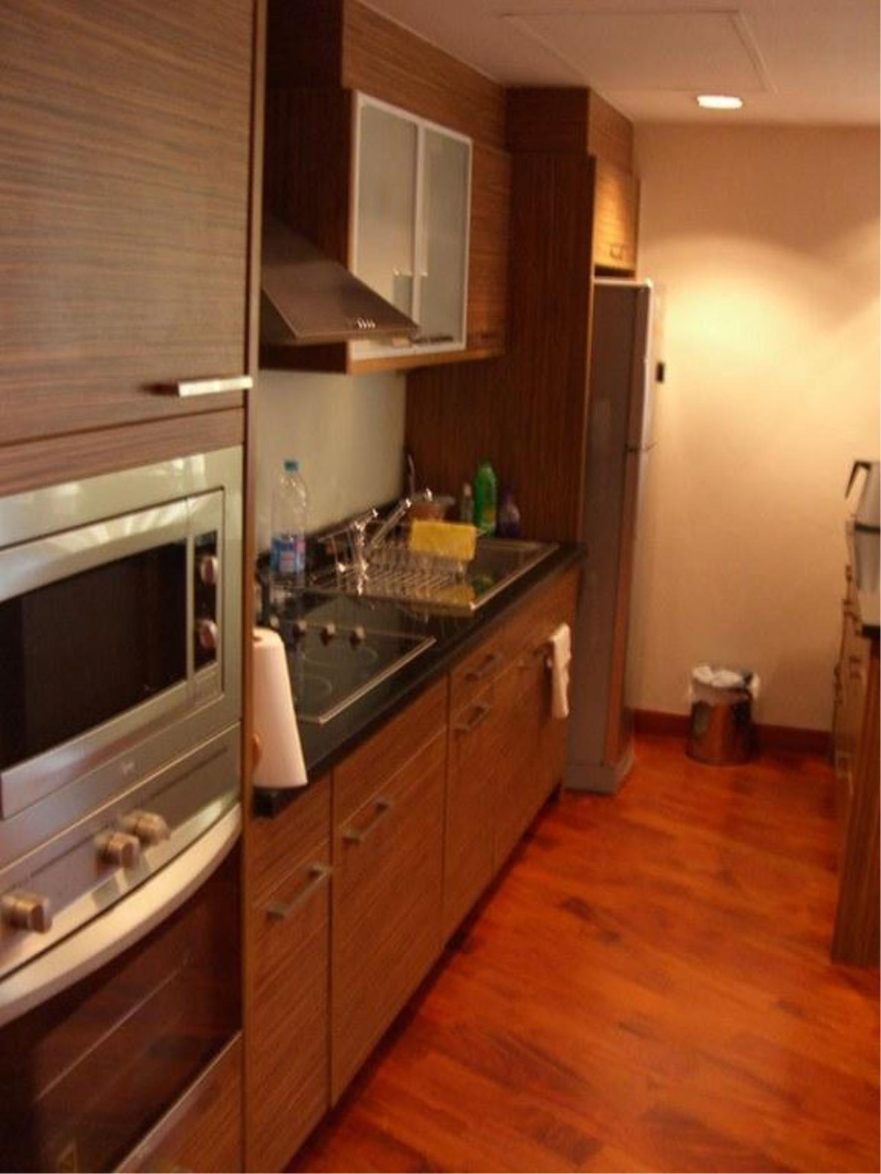 Piri Property Agency's 2 bedrooms  For Rent Urbana Langsuan 1