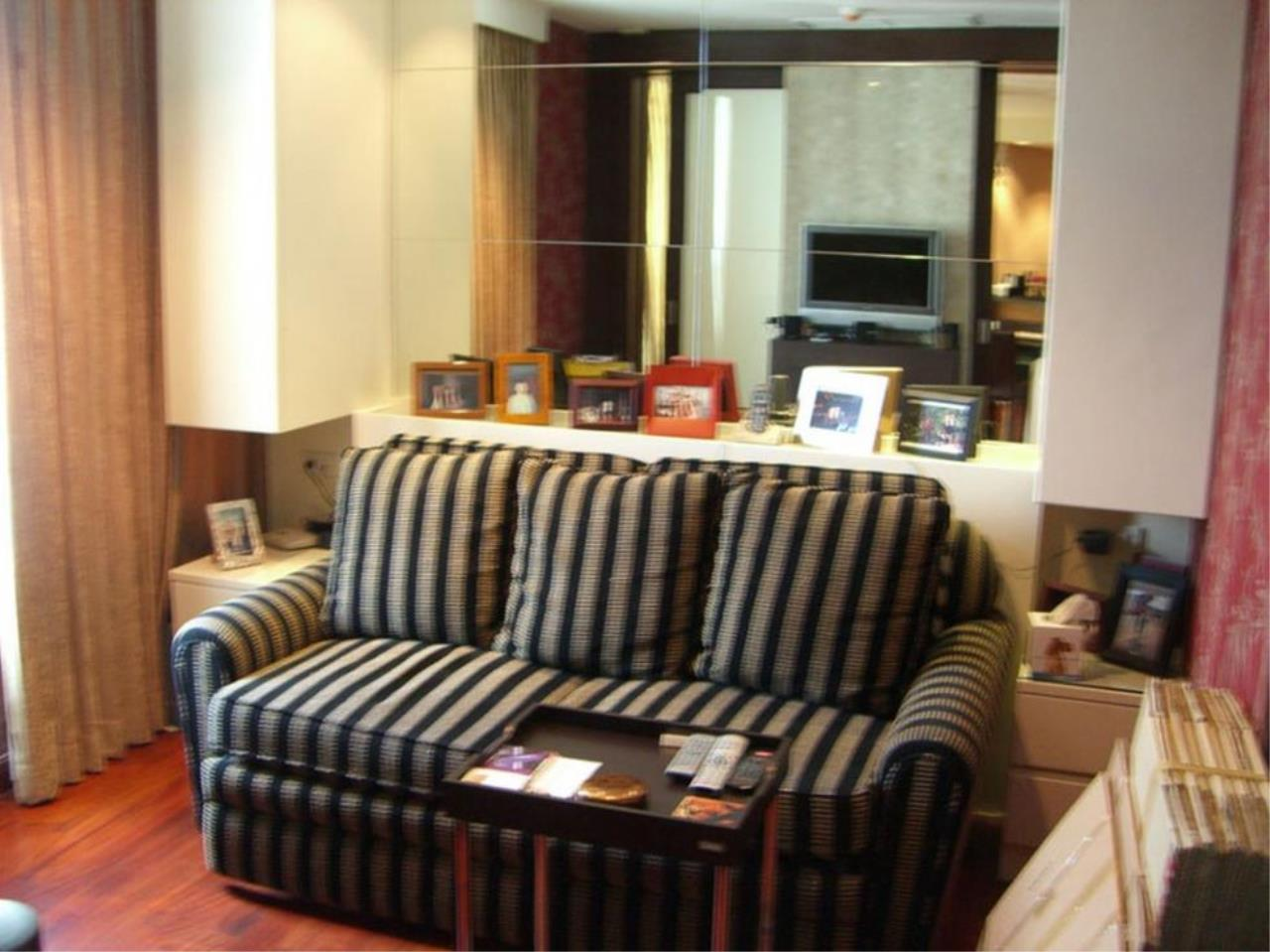 Piri Property Agency's 2 bedrooms  For Rent Urbana Langsuan 7