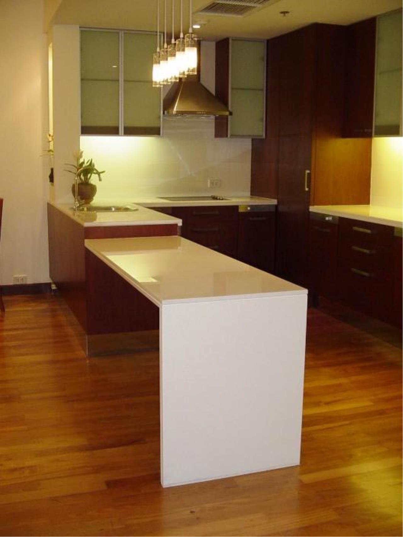 Piri Property Agency's one bedroom  For Rent Urbana Langsuan 1