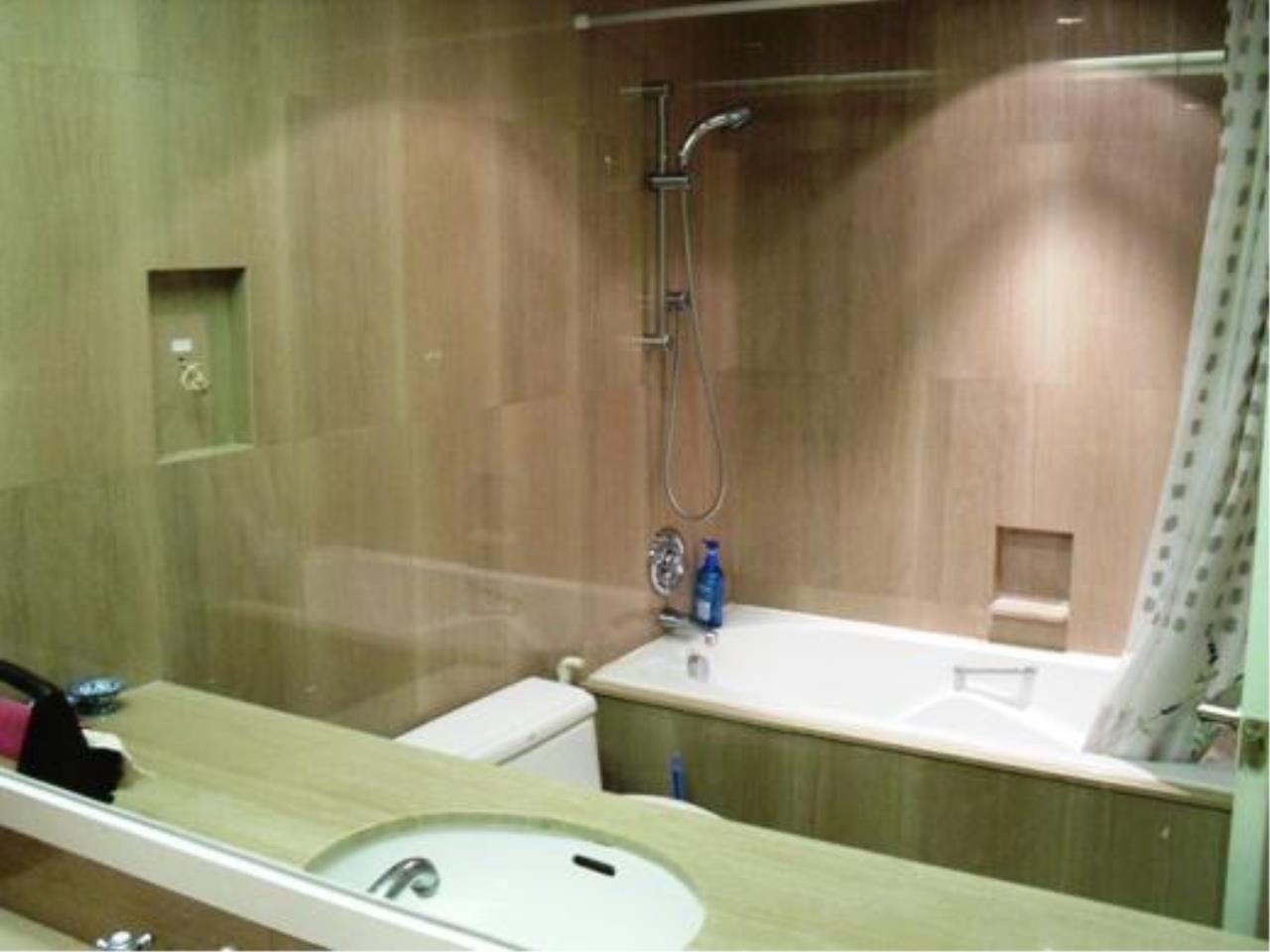 Piri Property Agency's one bedroom  For Rent Urbana Langsuan 11
