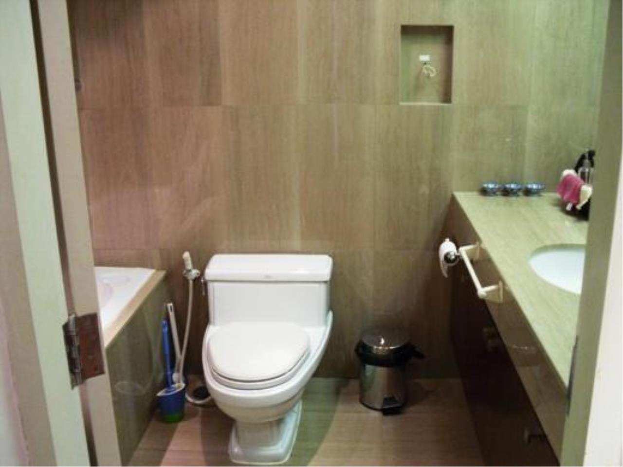 Piri Property Agency's one bedroom  For Rent Urbana Langsuan 12