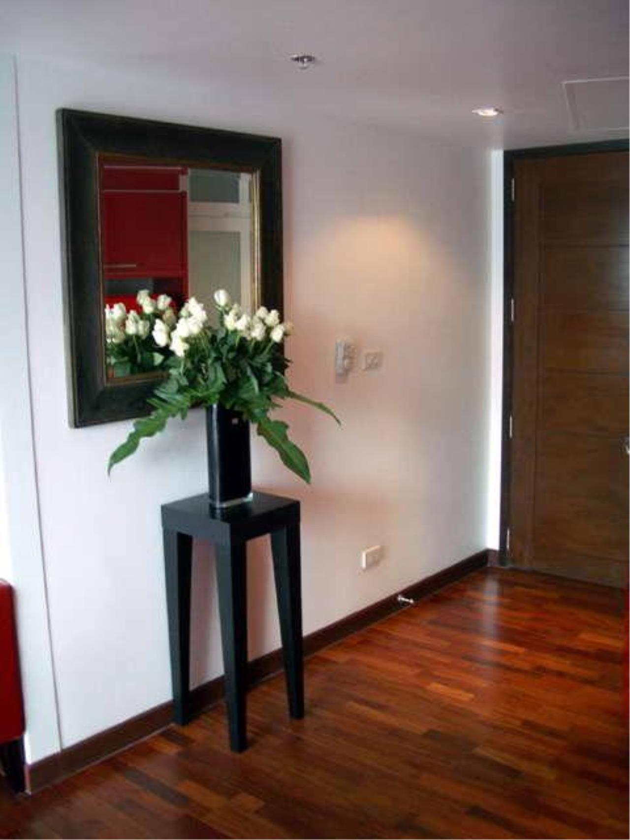Piri Property Agency's Studio bedrooms  For Rent Urbana Langsuan 1