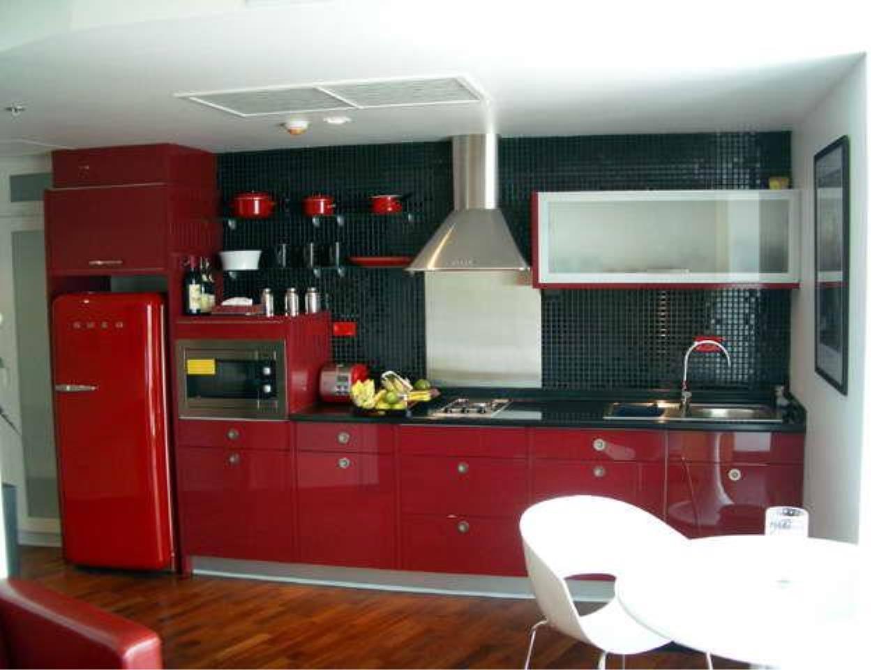 Piri Property Agency's Studio bedrooms  For Rent Urbana Langsuan 6
