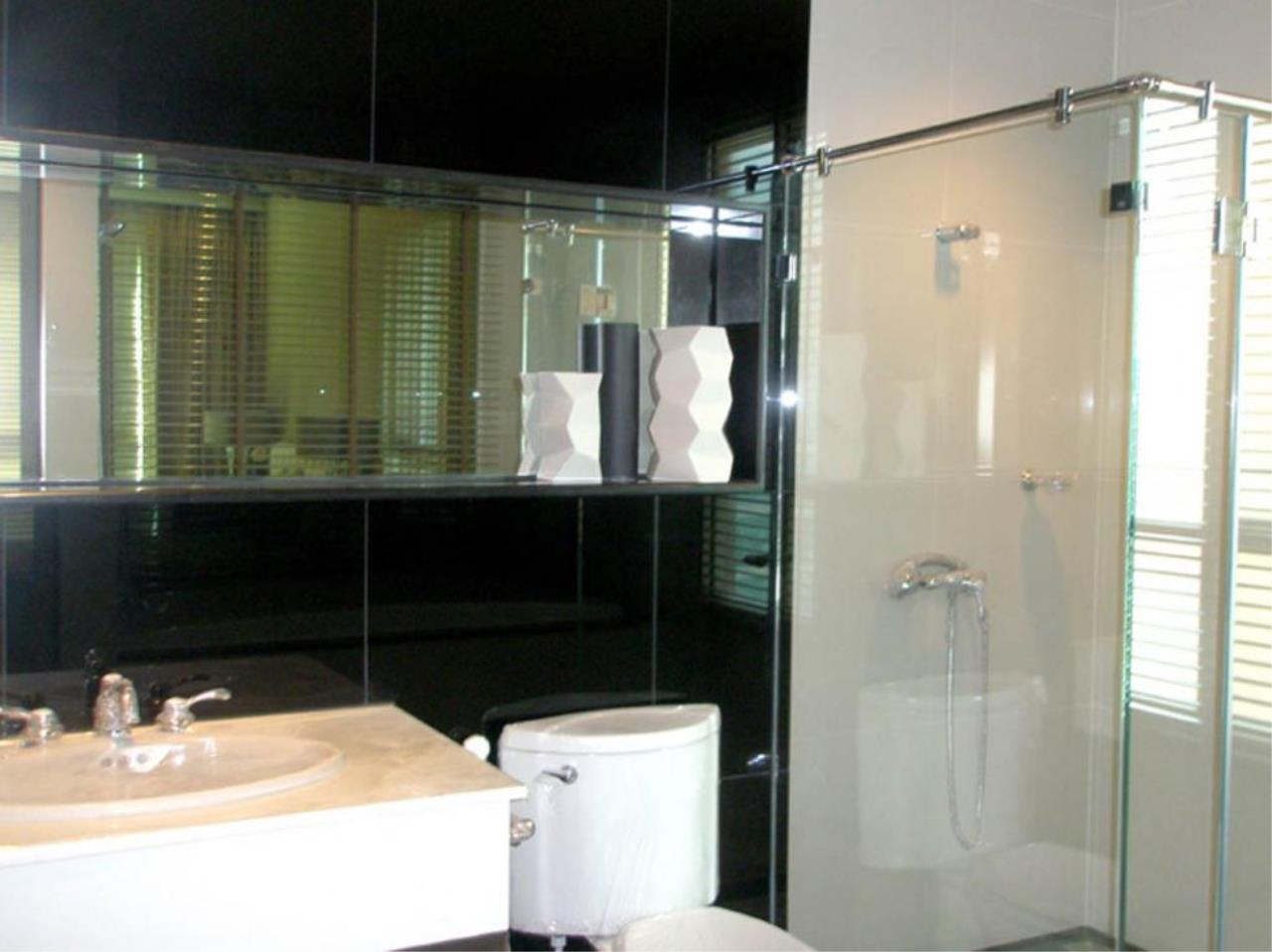 Piri Property Agency's 2 bedrooms  For Rent The Address Chidlom 2
