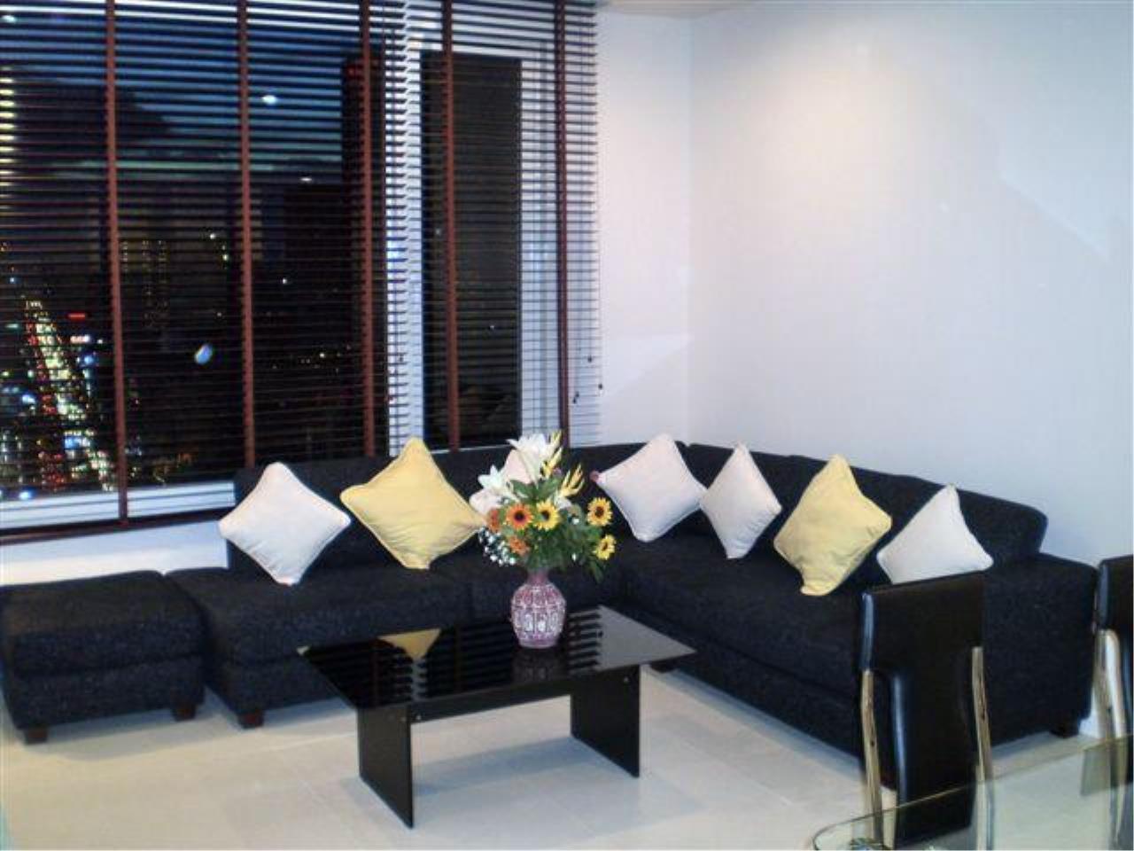 Piri Property Agency's 2 bedrooms  For Rent Manhattan Chidlom 3