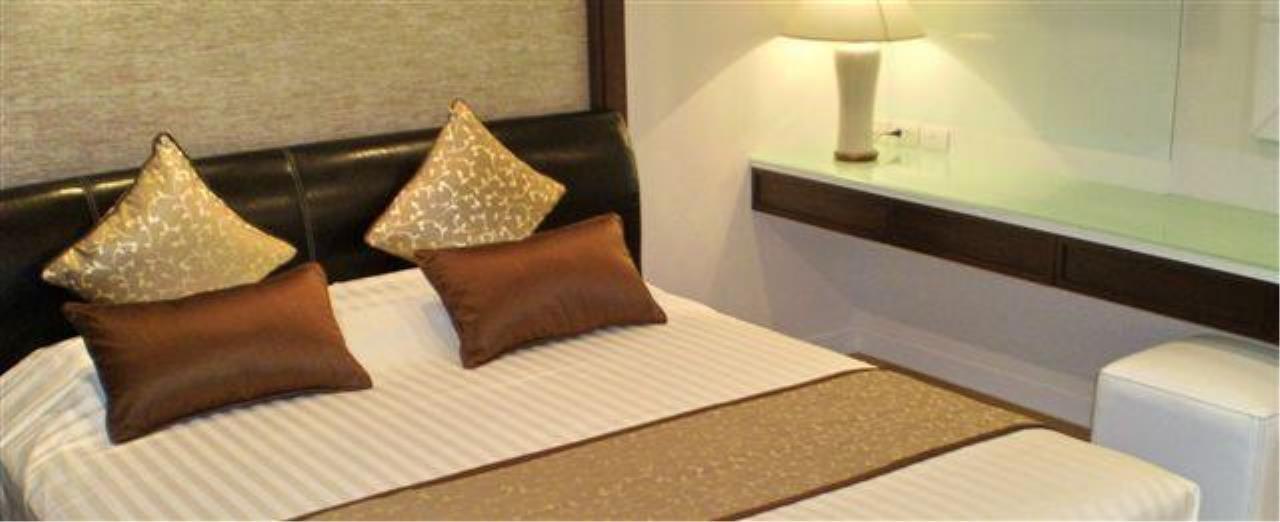 Piri Property Agency's 2 bedrooms  For Rent Manhattan Chidlom 4