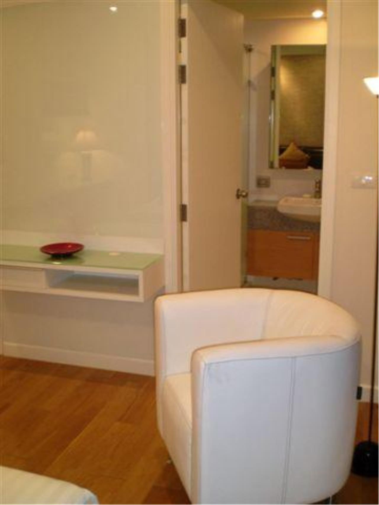 Piri Property Agency's 2 bedrooms  For Rent Manhattan Chidlom 5