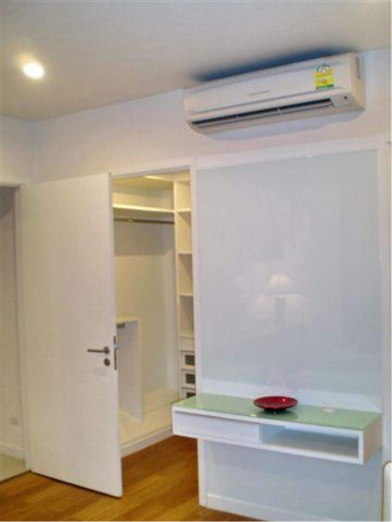 Piri Property Agency's 2 bedrooms  For Rent Manhattan Chidlom 13