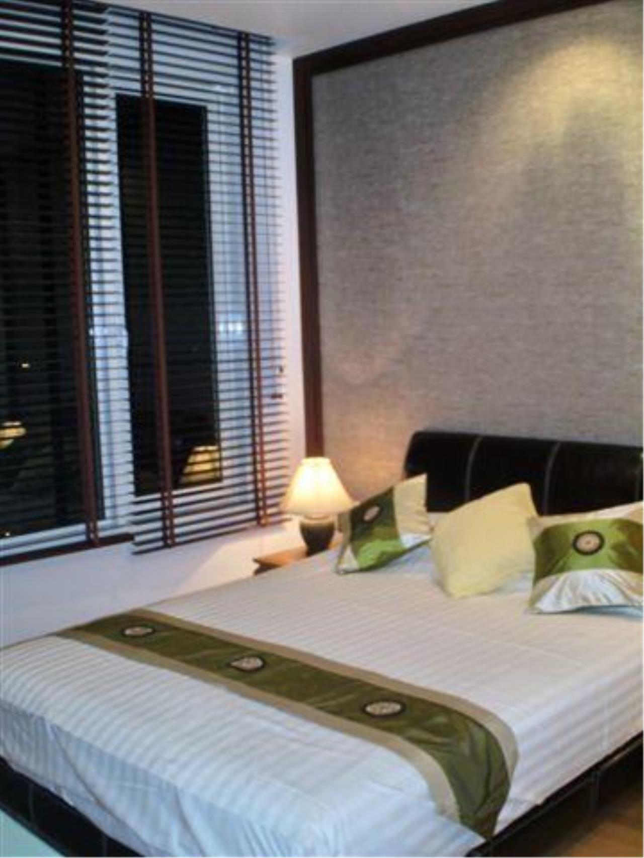 Piri Property Agency's 2 bedrooms  For Rent Manhattan Chidlom 14