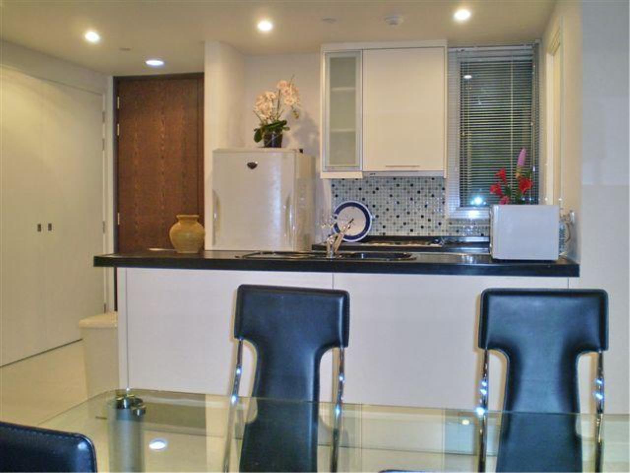 Piri Property Agency's 2 bedrooms  For Rent Manhattan Chidlom 11