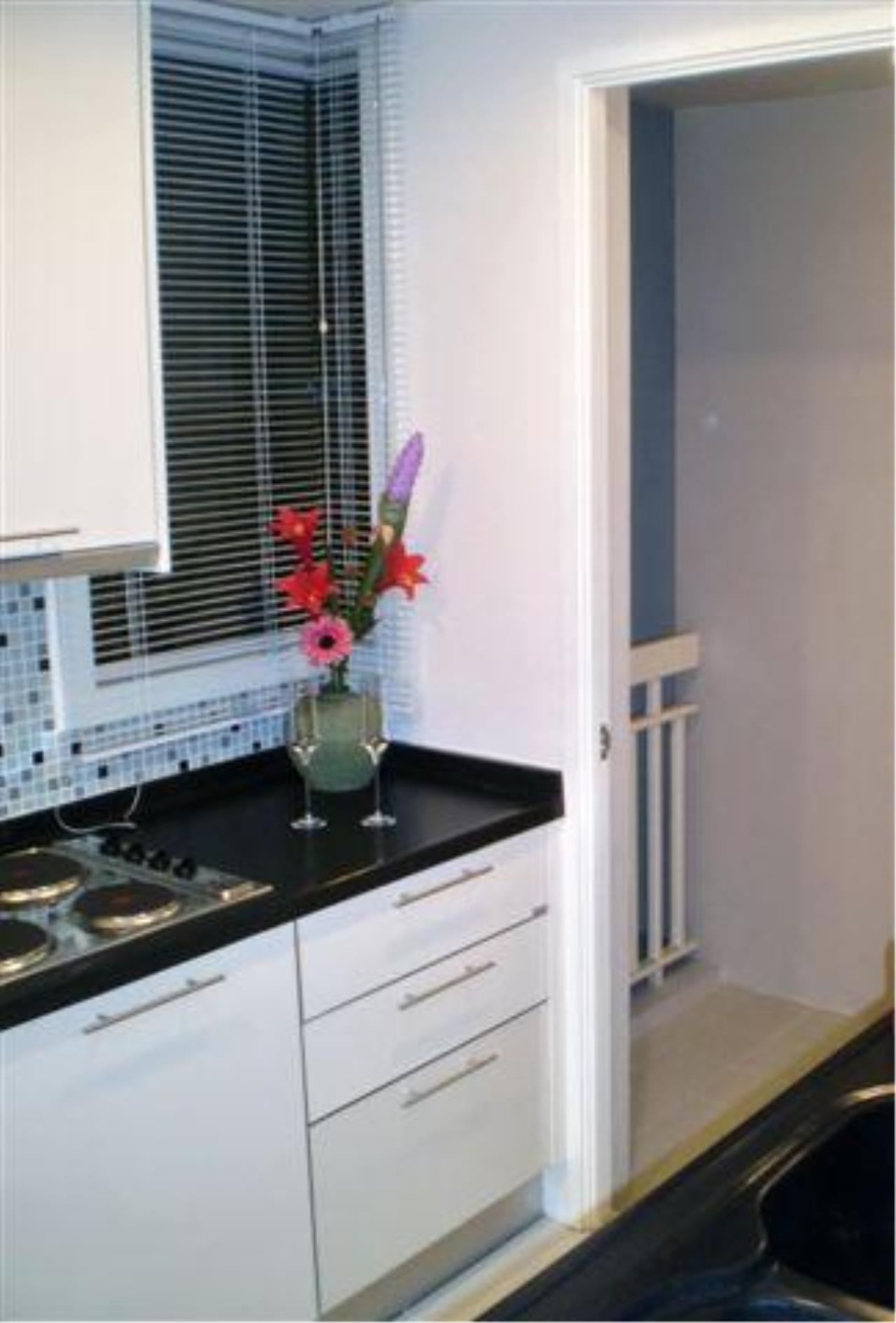 Piri Property Agency's 2 bedrooms  For Rent Manhattan Chidlom 12