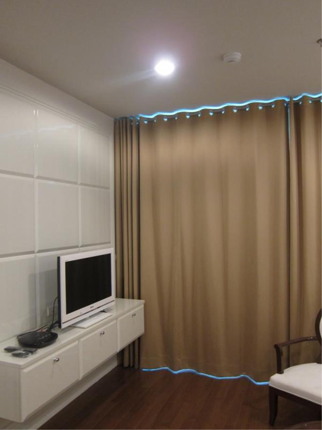 Piri Property Agency's one bedroom  For Rent The Address Chidlom 2