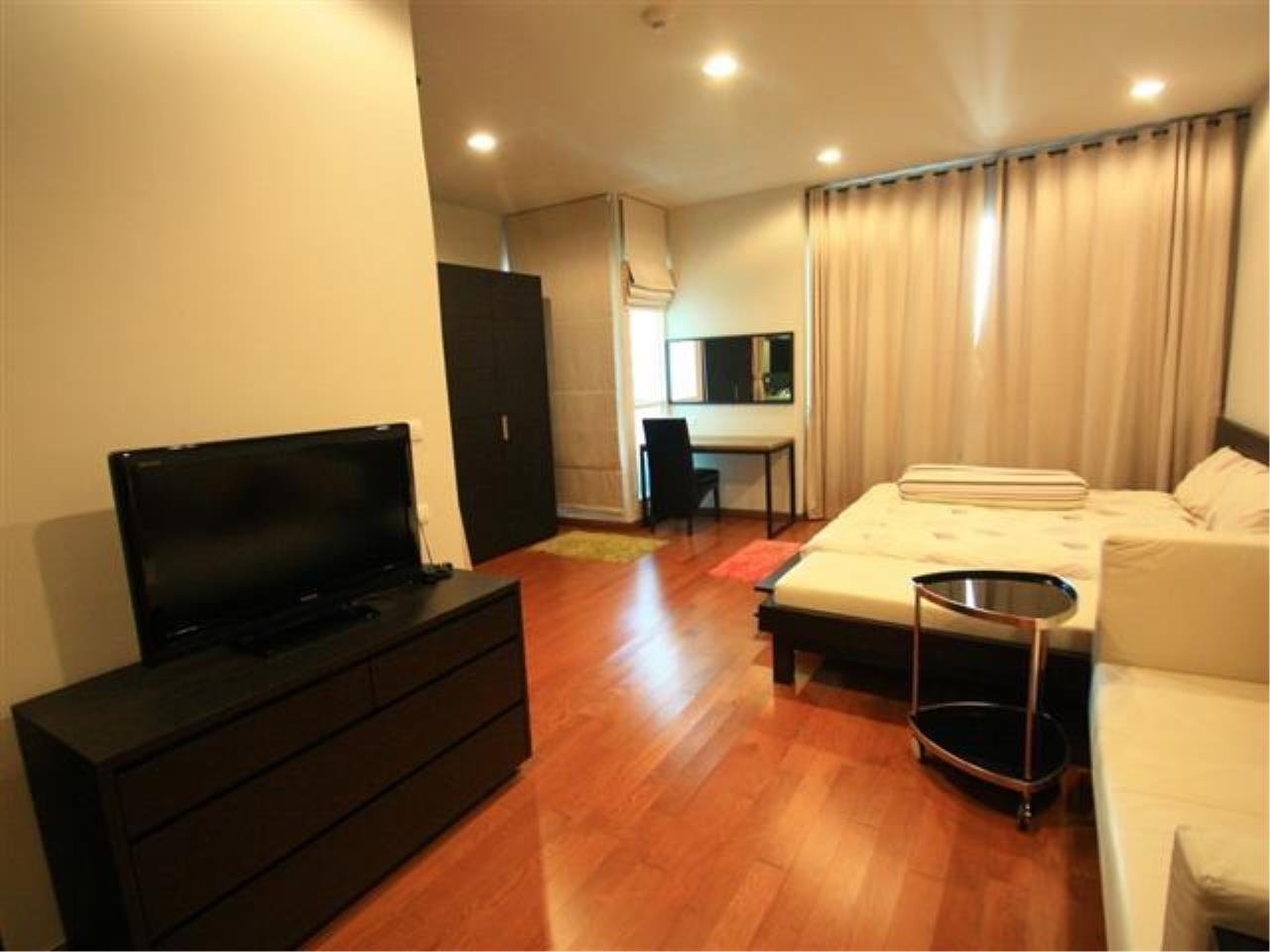 Piri Property Agency's Studio bedrooms  For Rent The Address Chidlom 2