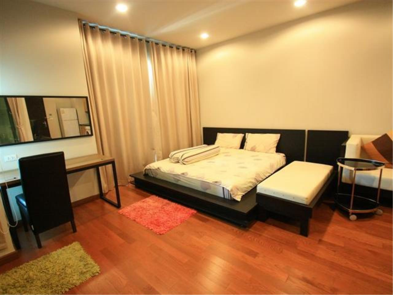 Piri Property Agency's Studio bedrooms  For Rent The Address Chidlom 4