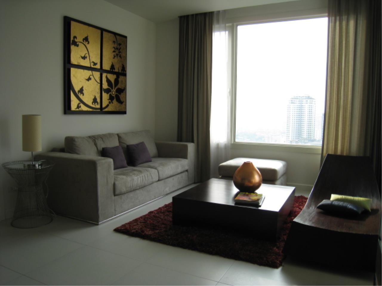 Piri Property Agency's 2 bedrooms  For Rent Manhattan Chidlom 8