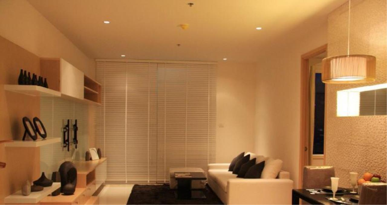 Piri Property Agency's one bedroom  For Rent The Empire Place Sathorn 1