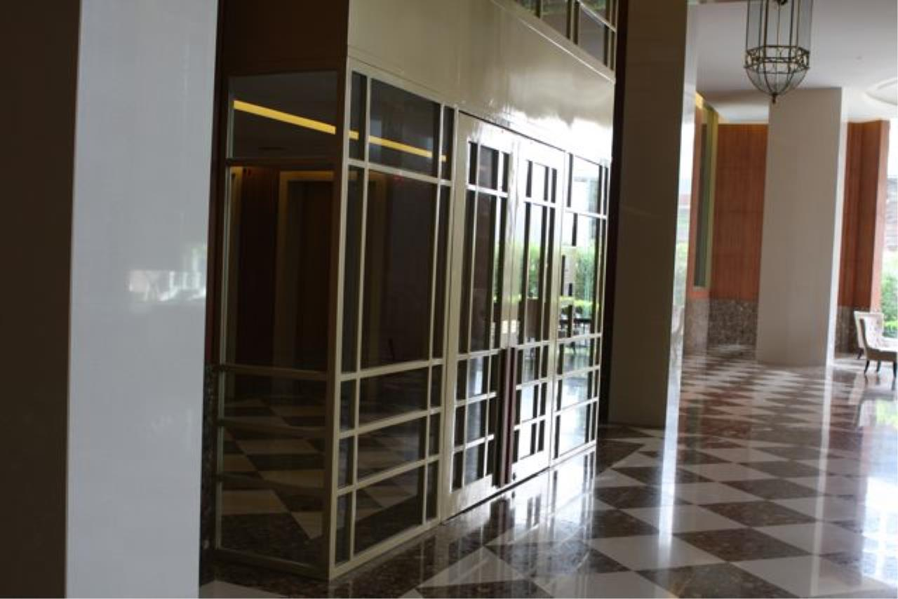 Piri Property Agency's one bedroom  For Rent The Empire Place Sathorn 7
