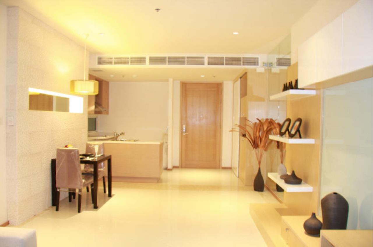 Piri Property Agency's one bedroom  For Rent The Empire Place Sathorn 16