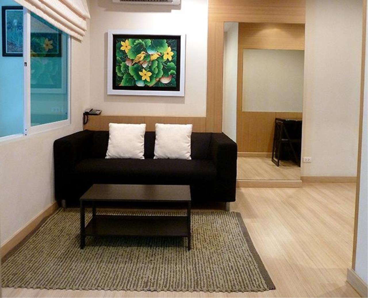 Piri Property Agency's one bedroom  For Rent Life@Sathorn 1