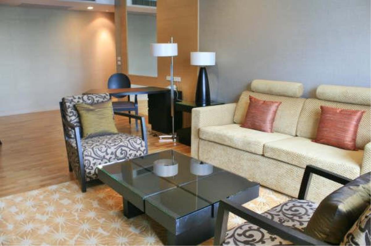 Piri Property Agency's 2 bedrooms  For Rent Urbana Sathorn 1