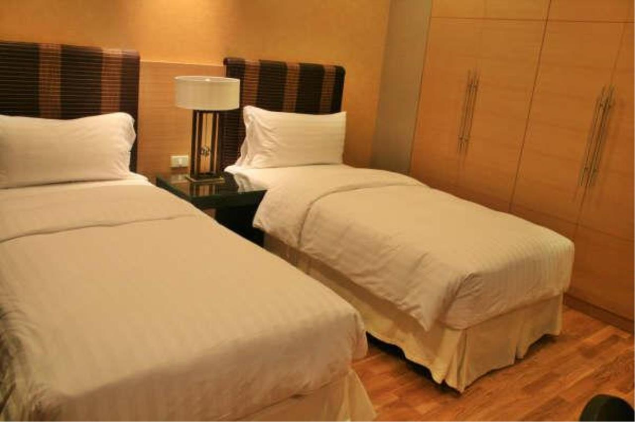 Piri Property Agency's 2 bedrooms  For Rent Urbana Sathorn 3