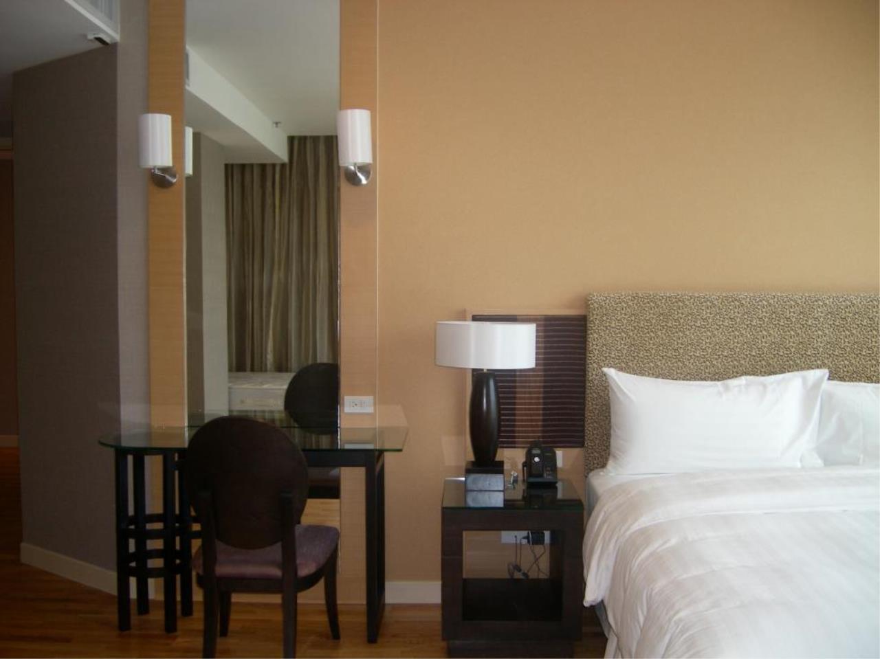 Piri Property Agency's 2 bedrooms  For Rent Urbana Sathorn 7