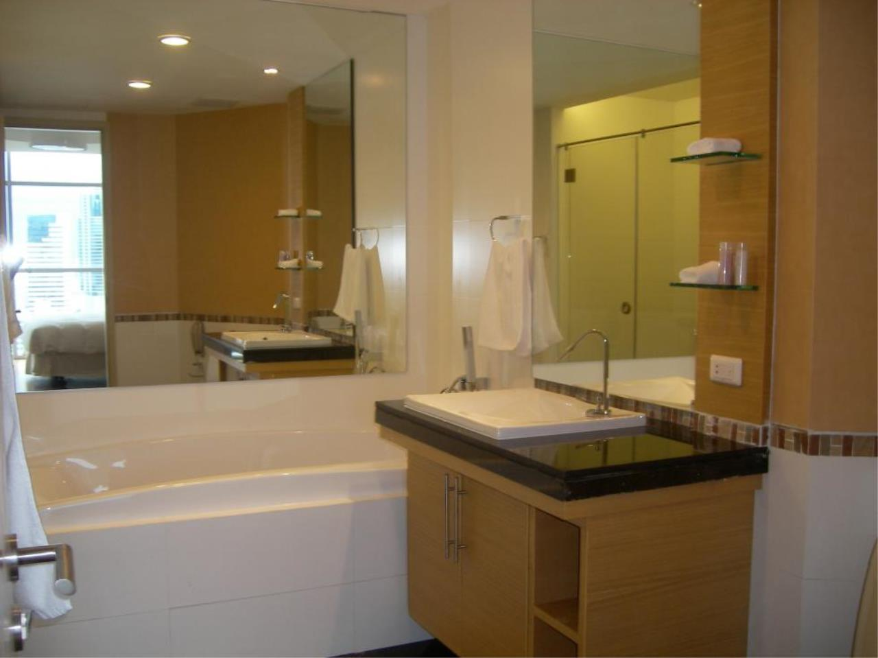 Piri Property Agency's 2 bedrooms  For Rent Urbana Sathorn 9