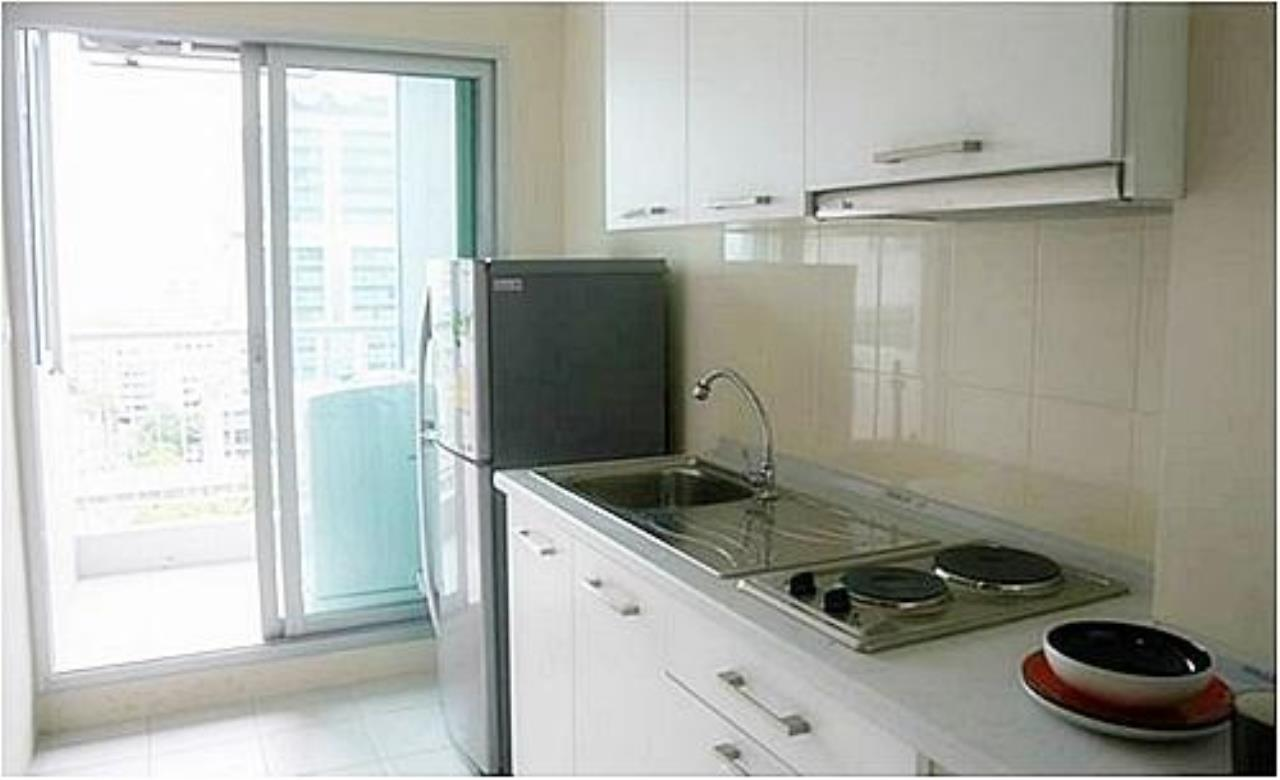 Piri Property Agency's one bedroom  For Rent Life@Sathorn 12