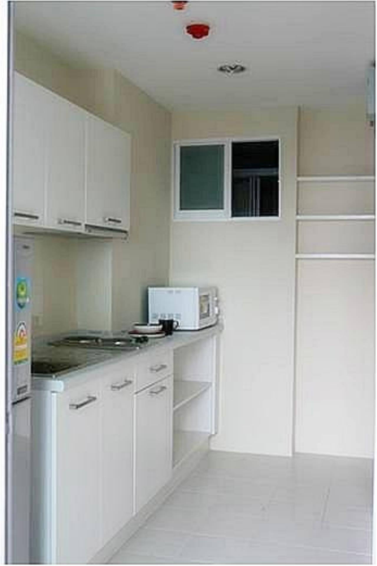 Piri Property Agency's one bedroom  For Rent Life@Sathorn 11