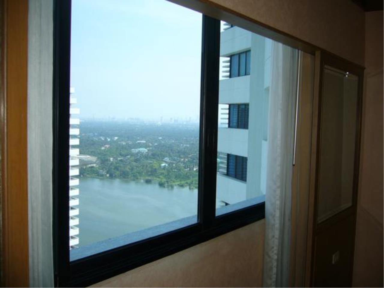 Piri Property Agency's 2 bedrooms  For Rent Royal River Place 1