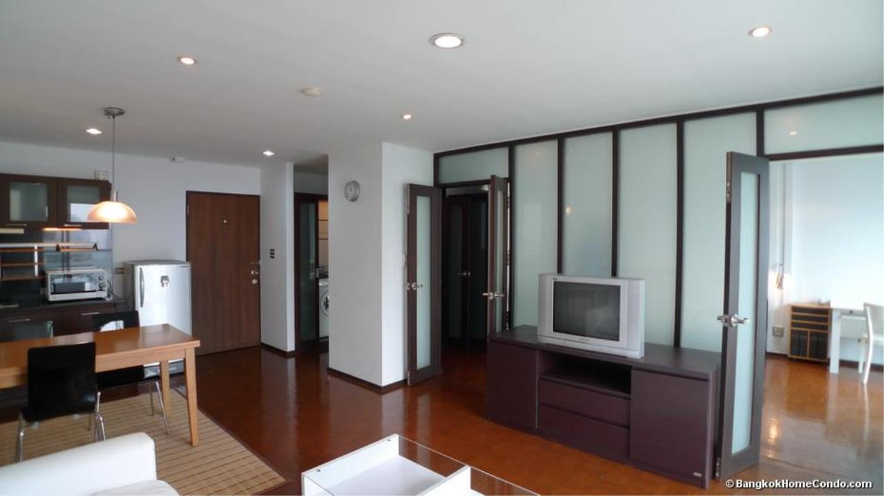 Piri Property Agency's one bedroom  For Rent Silom Suite 6