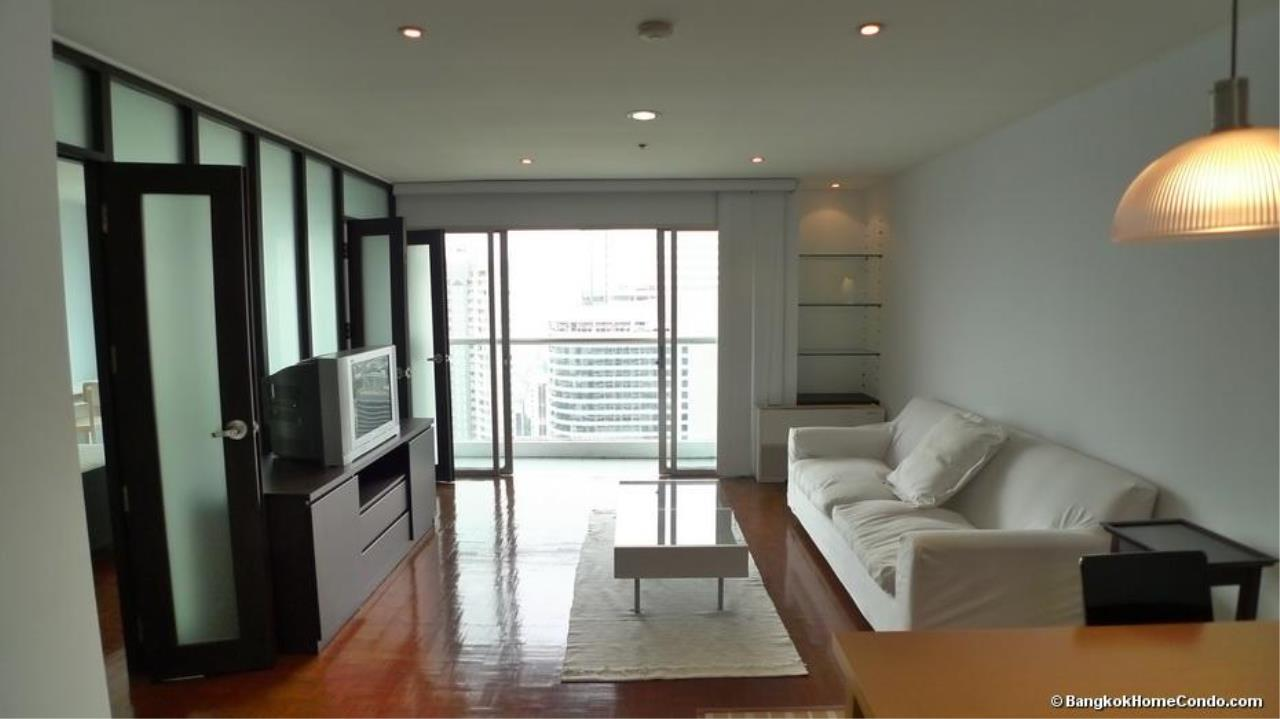 Piri Property Agency's one bedroom  For Rent Silom Suite 5