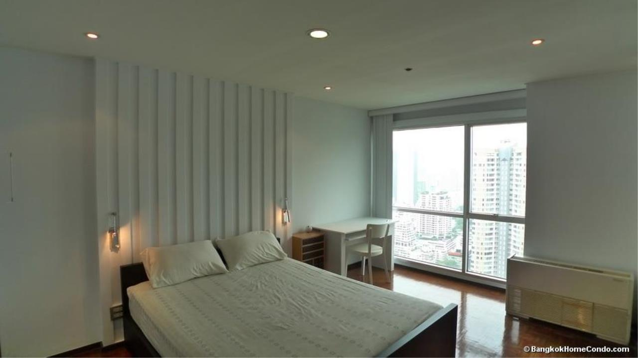 Piri Property Agency's one bedroom  For Rent Silom Suite 4