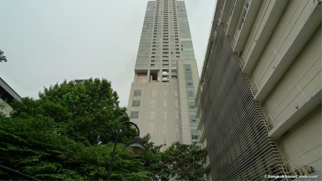 Piri Property Agency's one bedroom  For Rent Silom Suite 1
