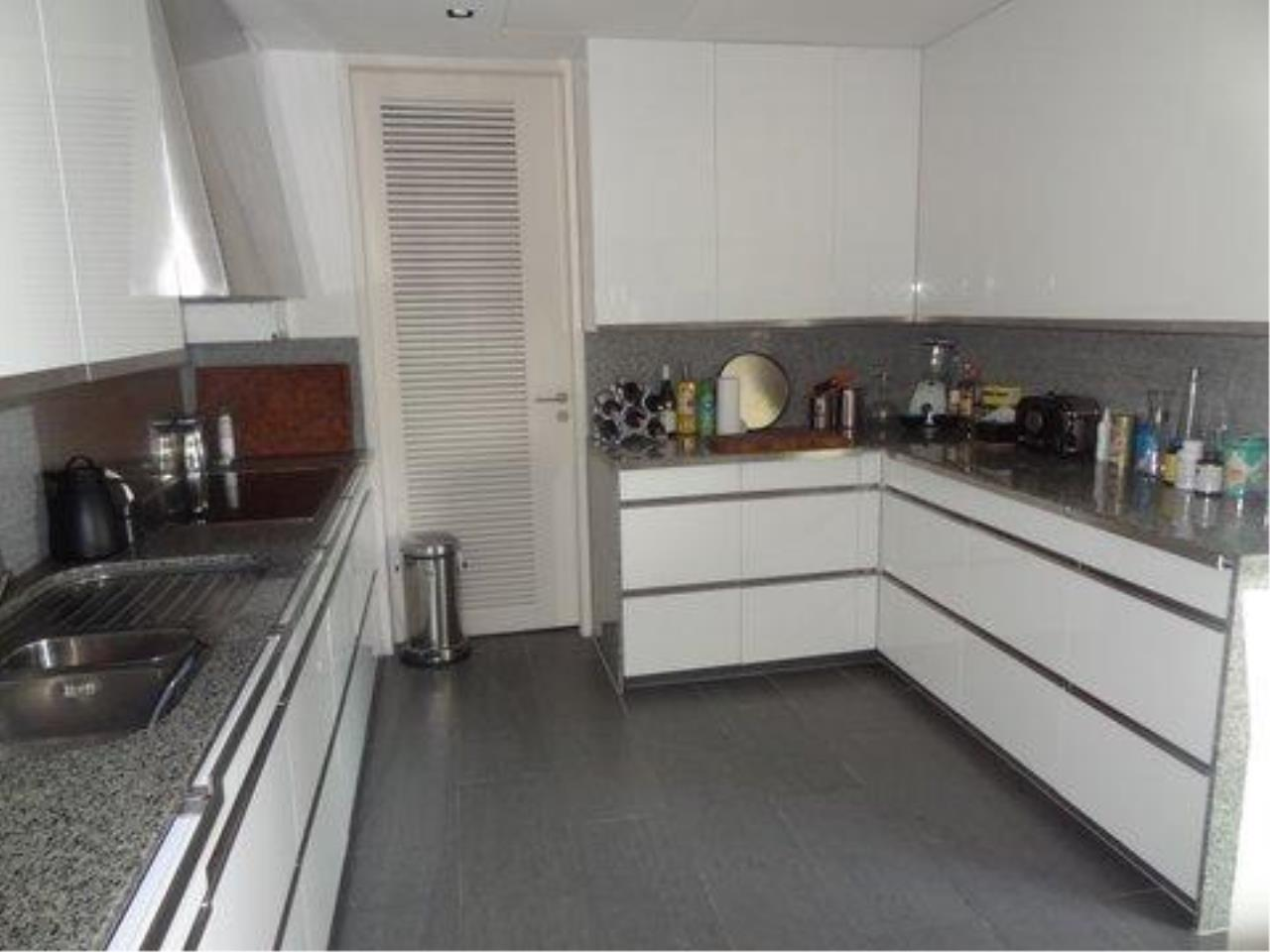 Piri Property Agency's 3 bedrooms  For Rent The Met Sathorn 5