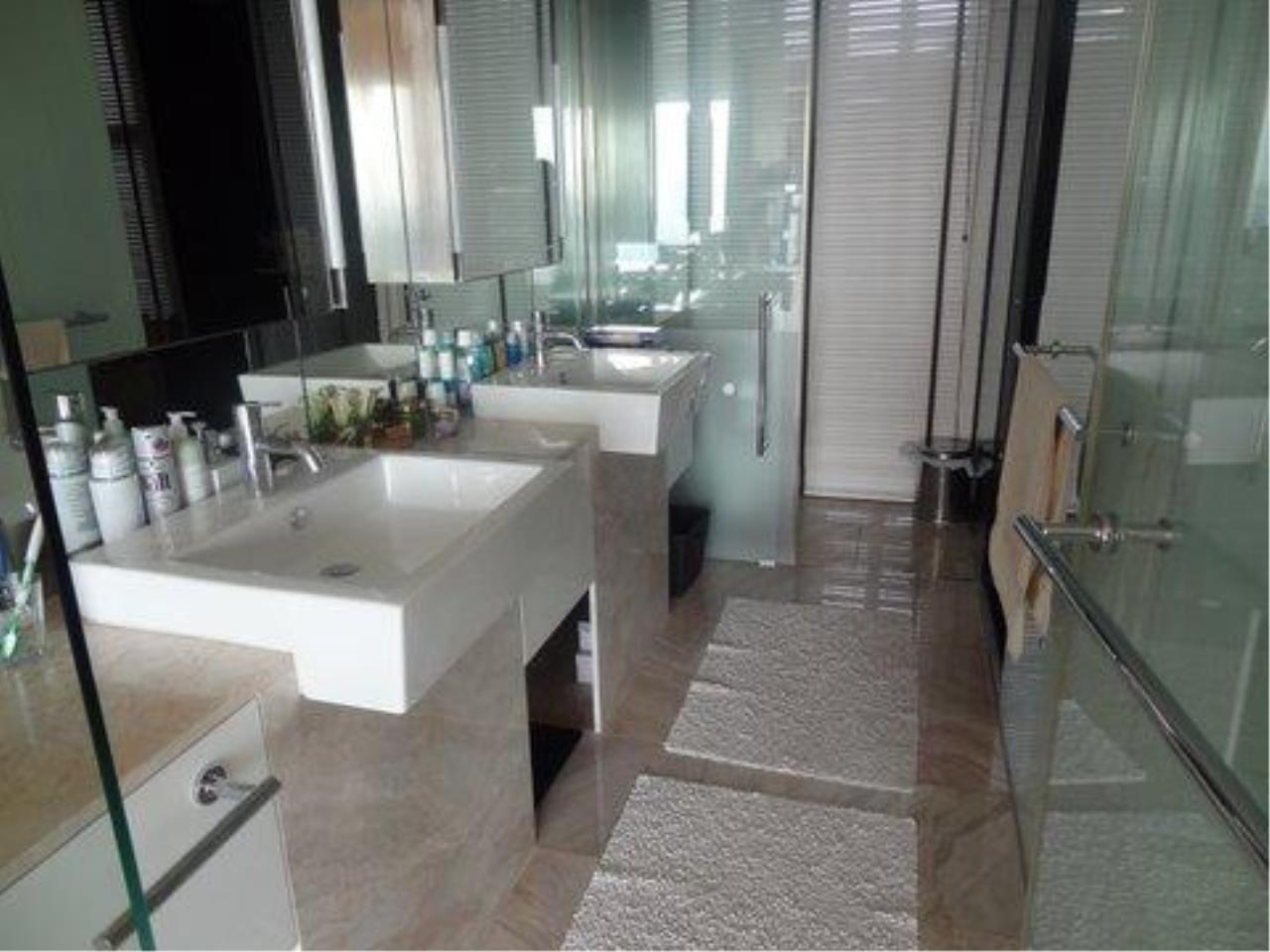Piri Property Agency's 3 bedrooms  For Rent The Met Sathorn 7