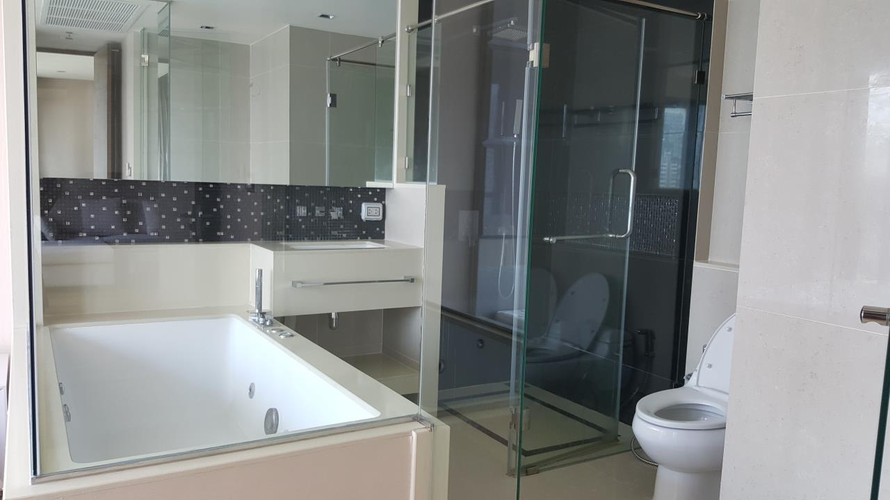 Piri Property Agency's 2 bedrooms  For Rent The Address Sathorn 5