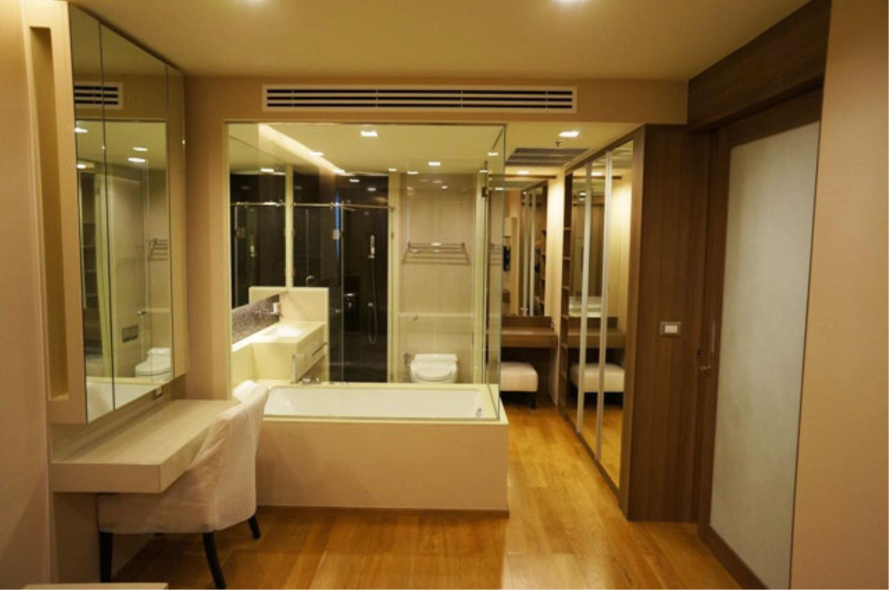 Piri Property Agency's one bedroom  For Rent The Address Sathorn 1