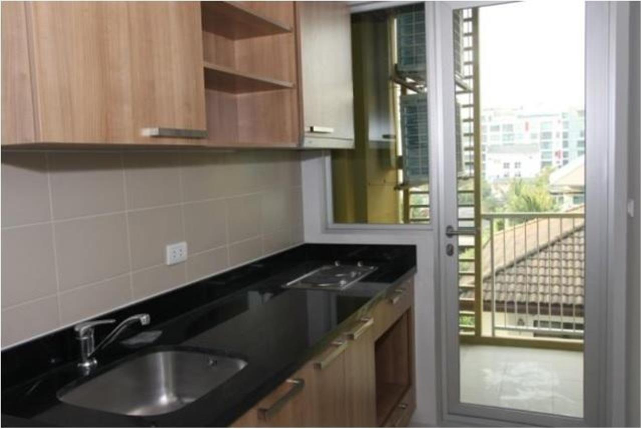 Piri Property Agency's one bedroom  For Rent Hive @ Sukhumvit 3