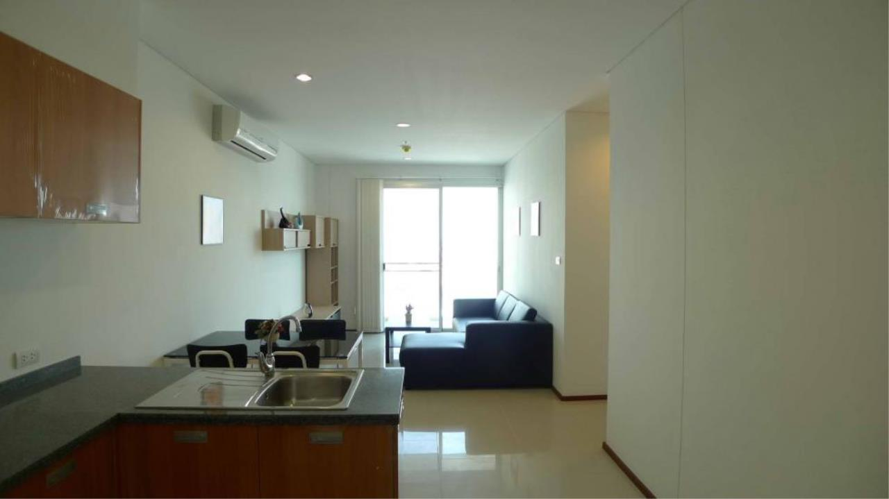 Piri Property Agency's one bedroom  For Rent Villa Sathorn 1