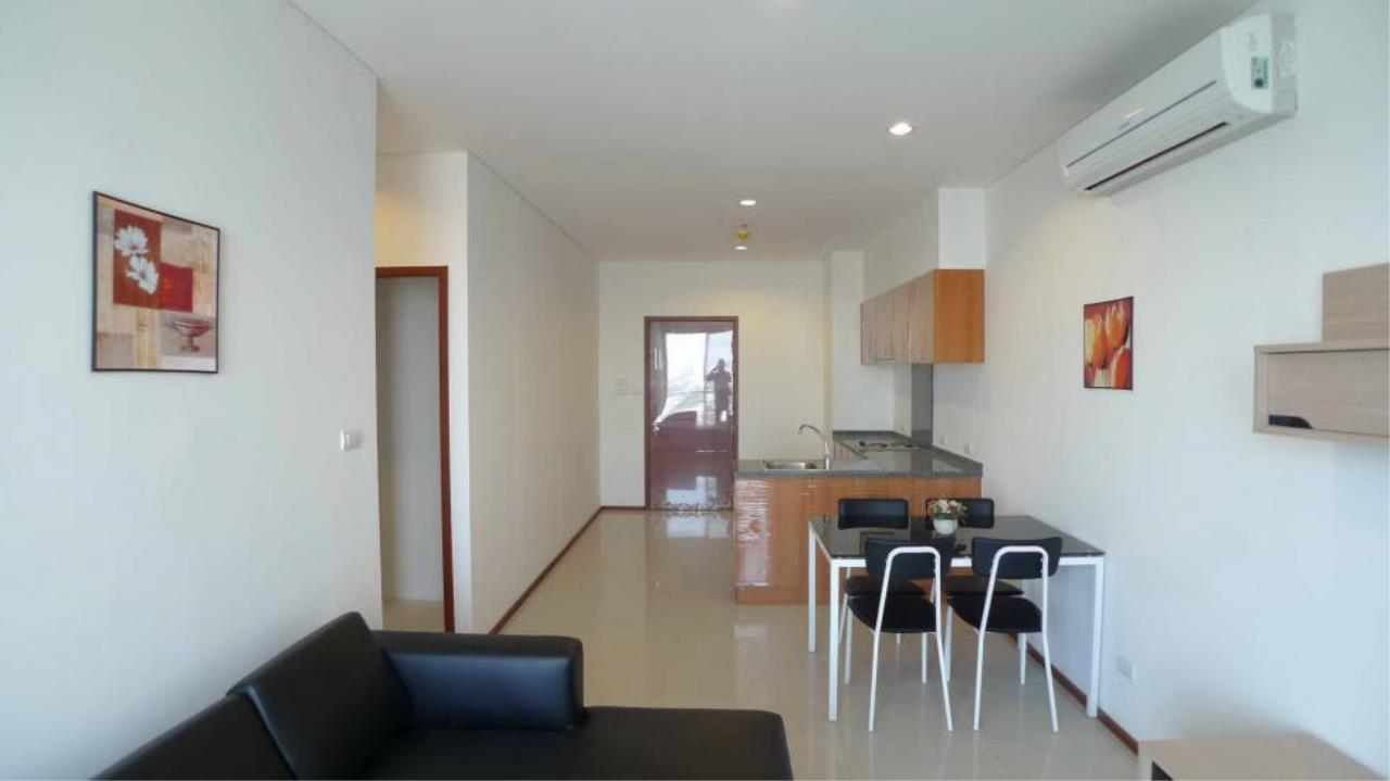 Piri Property Agency's one bedroom  For Rent Villa Sathorn 2