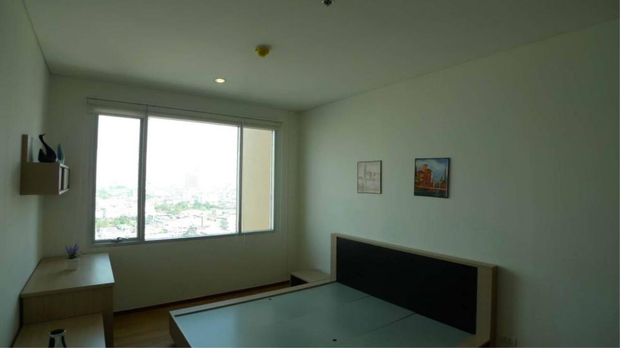 Piri Property Agency's one bedroom  For Rent Villa Sathorn 3