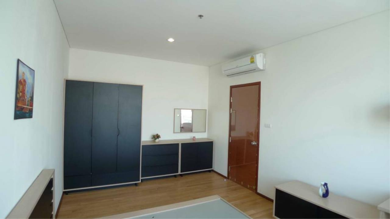 Piri Property Agency's one bedroom  For Rent Villa Sathorn 4