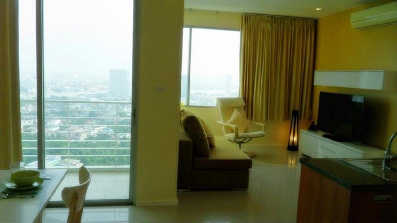 Piri Property Agency's one bedroom  For Rent Villa Sathorn 2