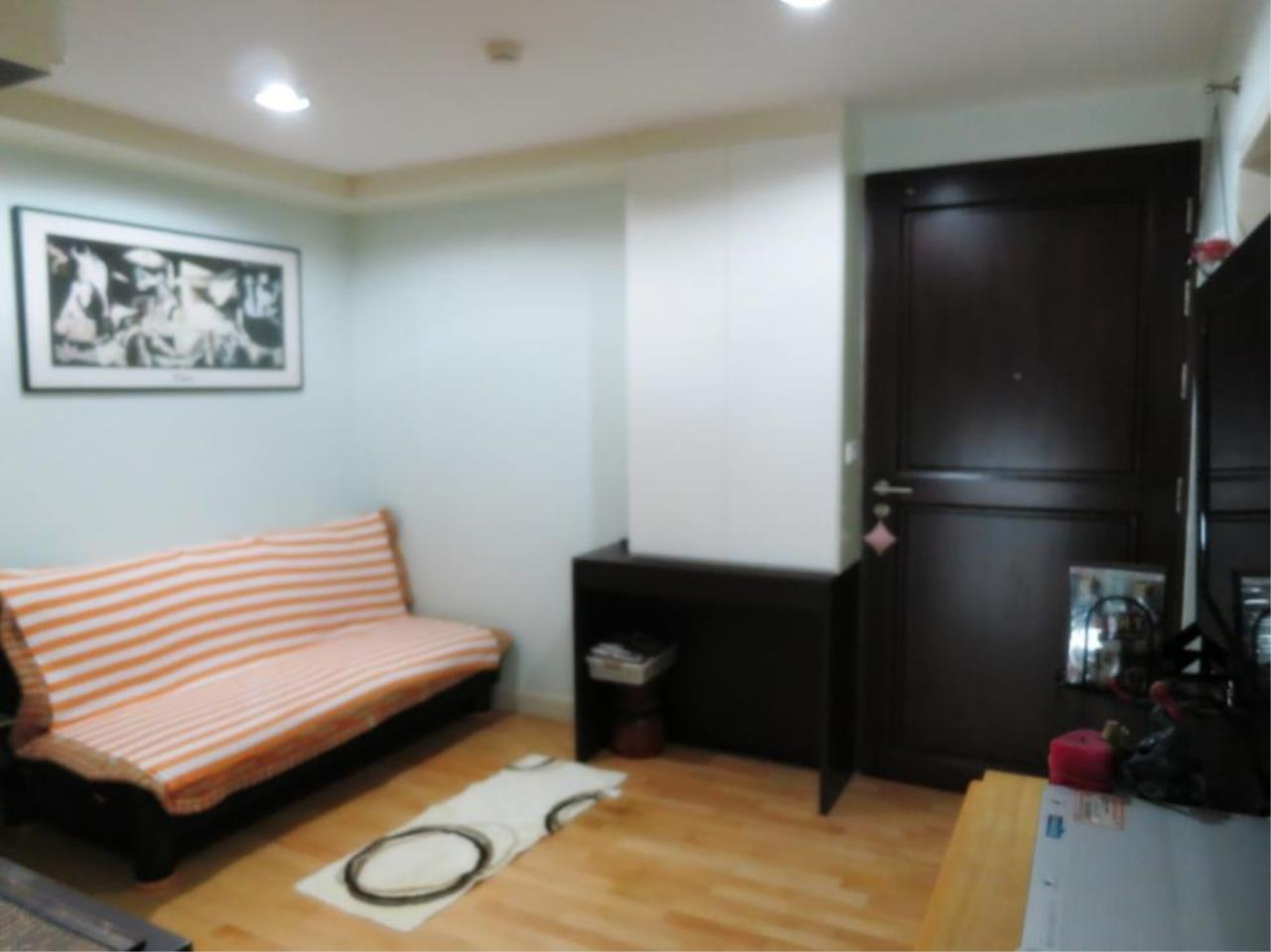 Piri Property Agency's one bedroom  For Rent The Fine @ River 5