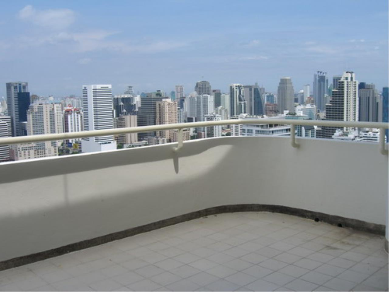 Piri Property Agency's 4 bedrooms  For Rent Tower Park Condo 2